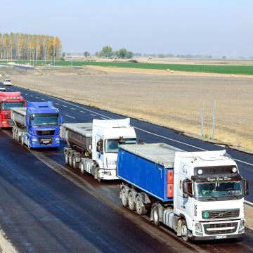 Súlykorlátozást vezet be Ausztria két határátkelőnél