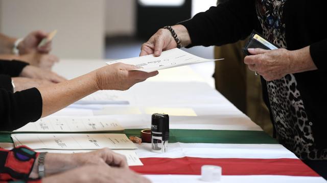 Időközi választás Dunaújvárosban - Ma kezdik nyomtatni az értesítőket
