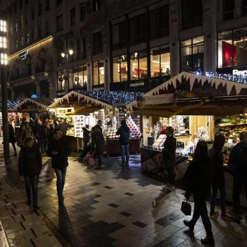 Országszerte ellenőrzések zajlanak a karácsonyi vásárokon