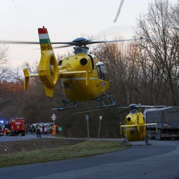 Hatan sérültek meg egy balesetben Eger közelében