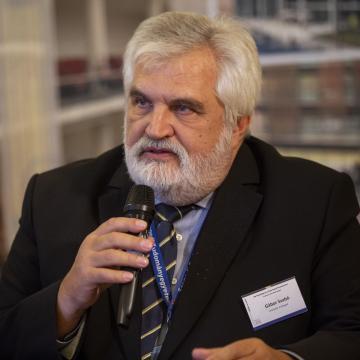 Szabó Gábor akadémikust nevezték ki a szegedi lézeres kutatóközpont élére
