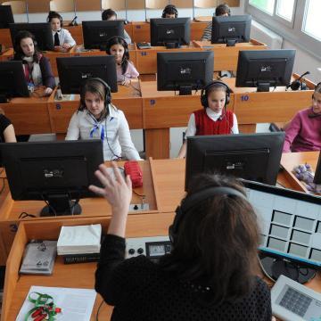 A fiatalok többsége csoportosan jelentkezne a külföldi nyelvi kurzusokra