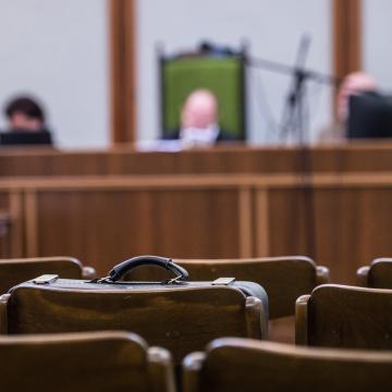 A vád: befolyással üzérkedés