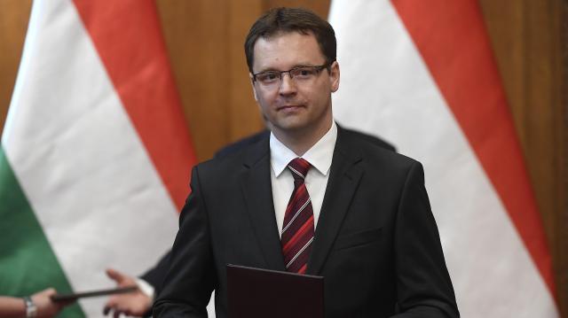 Az adócsökkentés áll a magyar gazdasági növekedés hátterében
