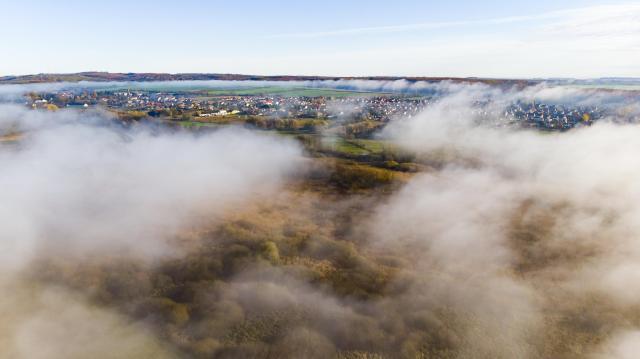 Az ország nagy részén sűrű ködre figyelmeztetnek