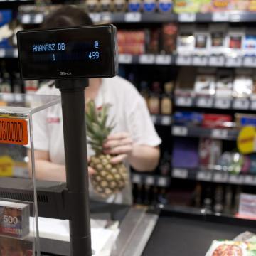 December 24-én a boltok a legtöbb helyen délig vagy 14 óráig lesznek nyitva
