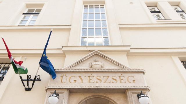 Kábítószer-kereskedőket ítéltek el Pécsen