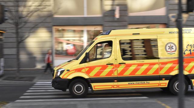 Megerősített szolgálat a mentőknél szilveszterkor