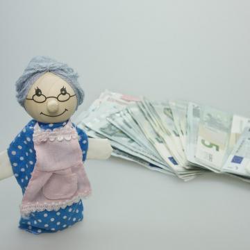Tovább nőttek a nyugdíjak