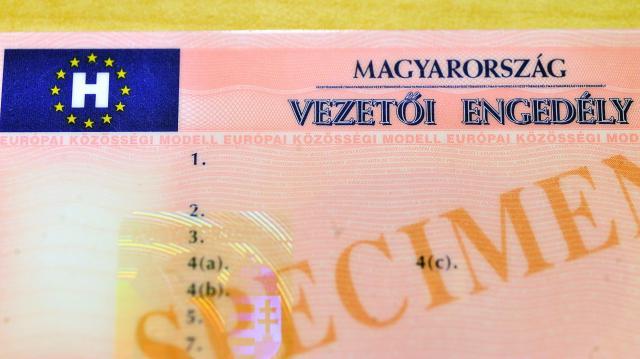 Idén is jár a kormányzati támogatás a jogosítvány megszerzéséhez
