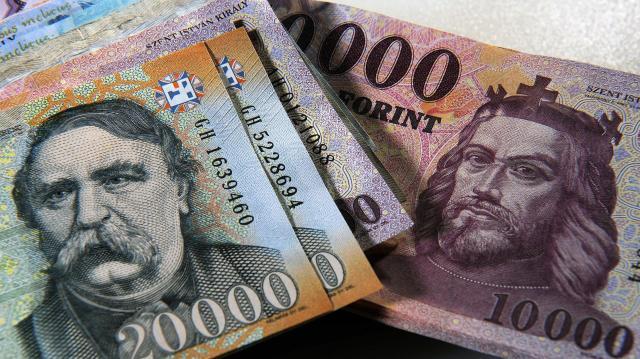 Már a januári fizetés is több lehet, ha időben nyilatkoznak az adókedvezményekről