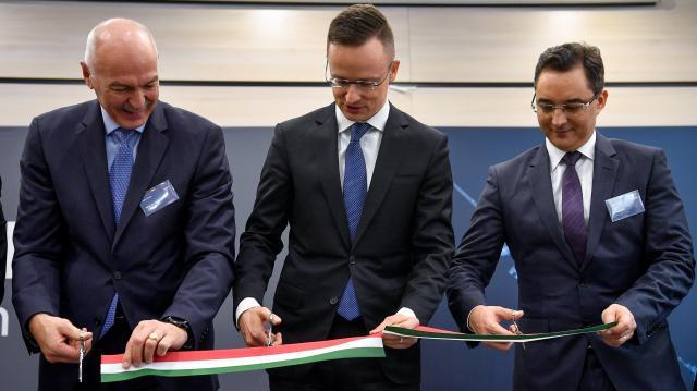 Szijjártó: Minden idők legtöbb beruházása érkezett Magyarországra tavaly