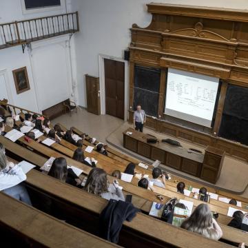 63 intézmény 7206 szakot kínál a felsőoktatásban