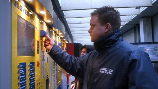 A MÁV-Start Zrt. 375 új jegykiadó automatát üzemel be idén