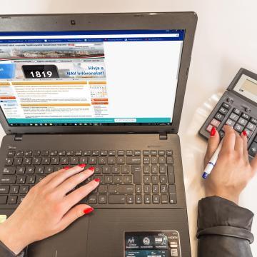 A NAV mindenkinek készít adóbevallás-tervezetet