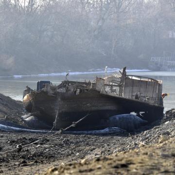 Folytatódik a Szőke Tisza gőzhajó roncsainak kiemelése Szegeden