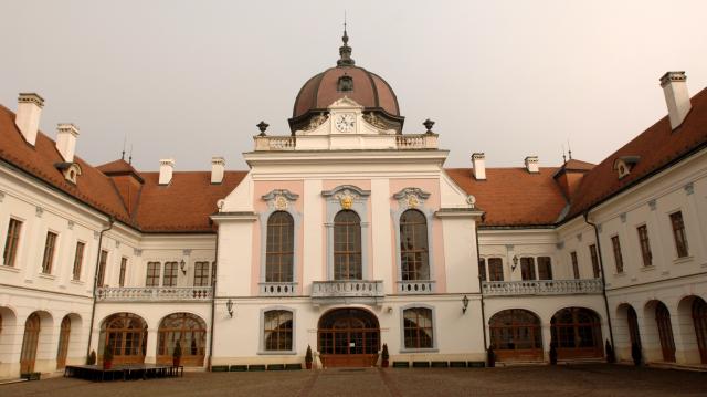 A Gödöllői Királyi Kastélyban ad koncertet a Duna Szimfonikus Zenekar és a Muzsikás Együttes