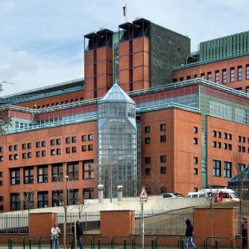 A Honvédkórház három telephelyére kiterjesztették a látogatási tilalmat