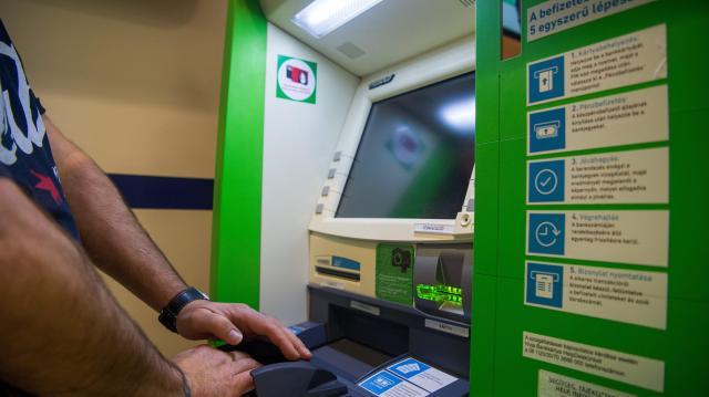 Egyre jobban szeretjük az okos ATM-eket
