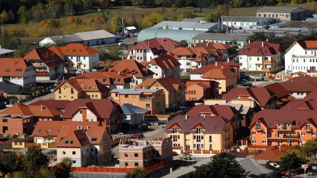 Érzékenyen érintette az áfaemelés az új lakások árait