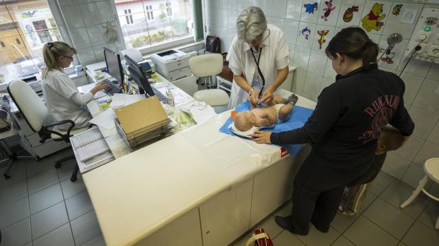 Gyermekorvosi rendelőket alakítanak ki és védőnők elhelyezését biztosítják Pécsen