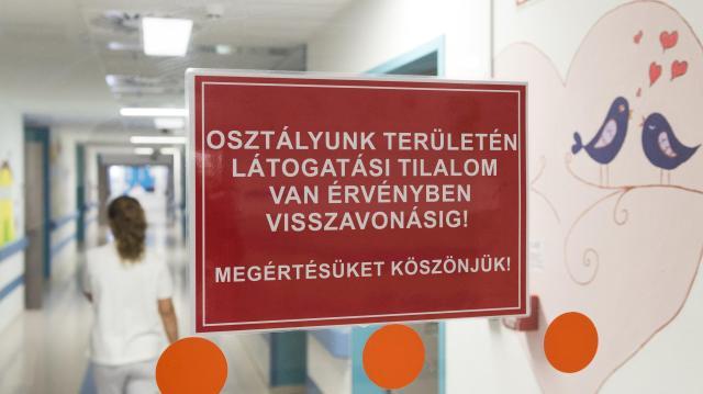 Látogatási tilalmat rendeltek el a Tolna megyei kórházban