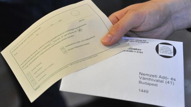 Még egy hónapig akár sms-ben is kérhető a postázás
