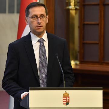Varga Mihály: A magyar gazdaság Európa élmezőnyében van