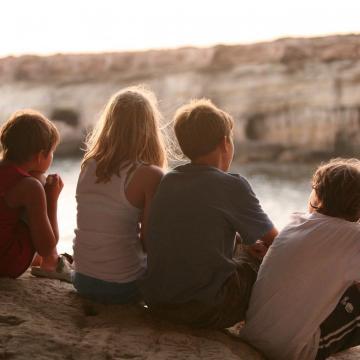 Márciustól változik a gyermekkel való kapcsolattartás szabályozása