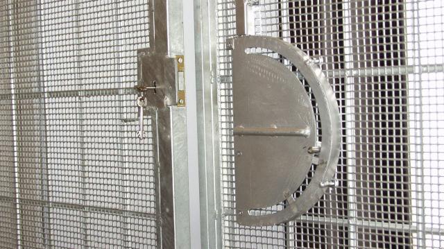 Szerb embercsempészt ítéltek három év börtönre Komáromban