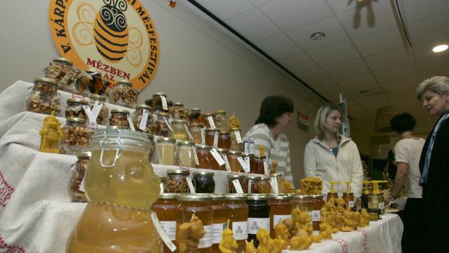 Szja-mentes lesz a méhészeti termékek értékesítése