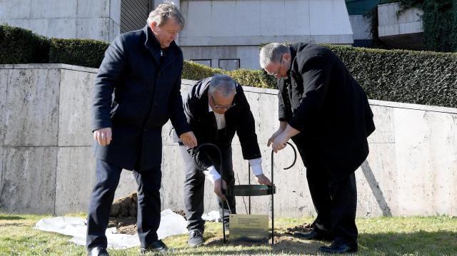 Tizenhárom almafát ültettek el a Nemzeti Színház művészei