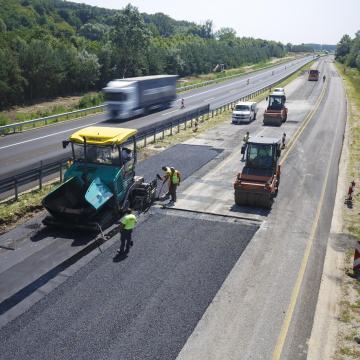 Idén 95 milliárd forintot fordít a kormány útfelújításokra