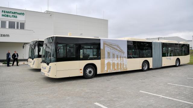 90 darab csuklós jármű beszerzésével folytatódik az állami autóbuszpark megújulása
