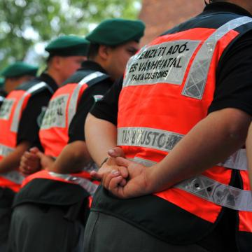 Felszámolt egy Jász-Nagykun-Szolnok megyei bűnszervezetet a NAV