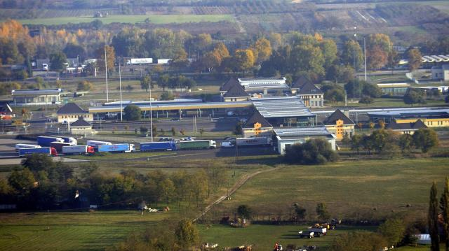 Négy átkelőt is lezártak a román-magyar határon