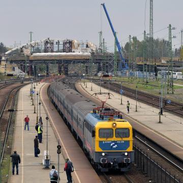 Változik a menetrend a Budapest-Hatvan vasútvonal felújítása miatt