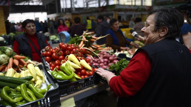 A helyi piacok nyitva vannak, de itt is fontos az óvintézkedések betartása