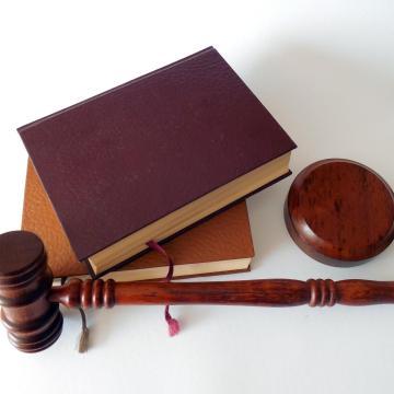 Április 1-től más bíróságok járnak el közigazgatási és munkaügyi perekben