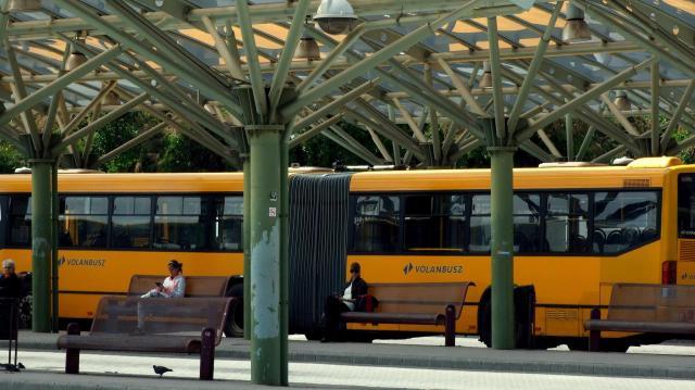 Készpénzmentessé válik a jegyvásárlás a Volánbusz járatain