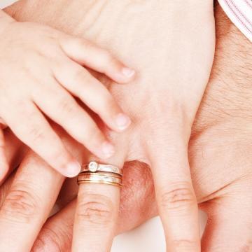 Meghosszabbítják a családtámogatásokat