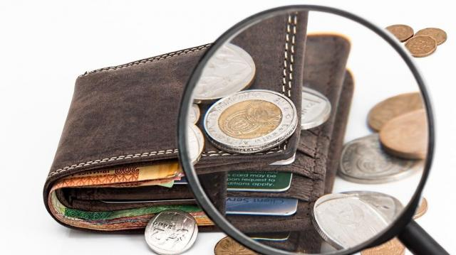 Több mint kilenc százalékkal nőttek a bérek januárban