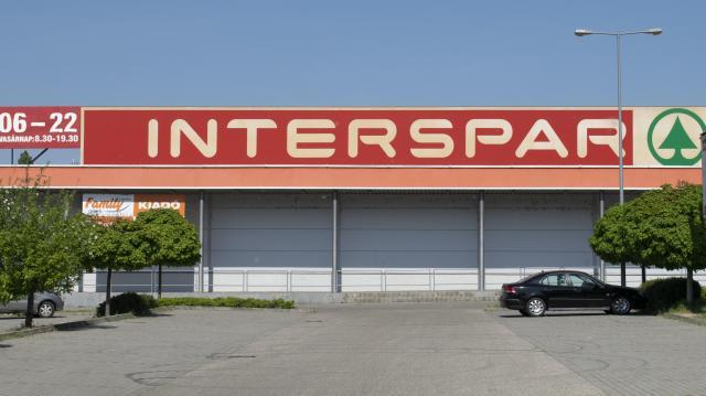 Megkezdődött az Interspar hipermarket építése Kaposváron