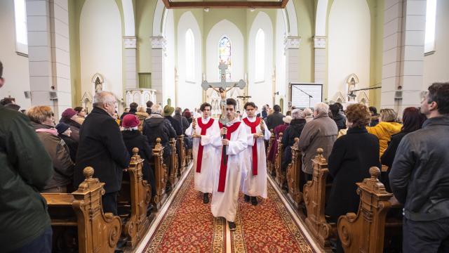 A legtöbb egyházmegyében újra tartanak nyilvános szentmisét