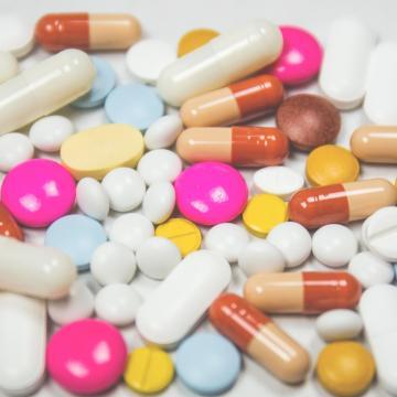 Bespájzolt a lakosság gyógyszerekből