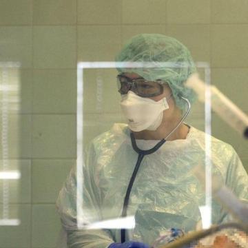 Elhunyt 12 újabb koronavírus-beteg, nőtt a fertőzöttek száma