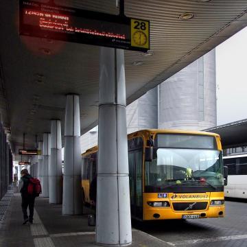 Hétfőtő ismét az első ajtón kell felszállni a Volánbuszokra