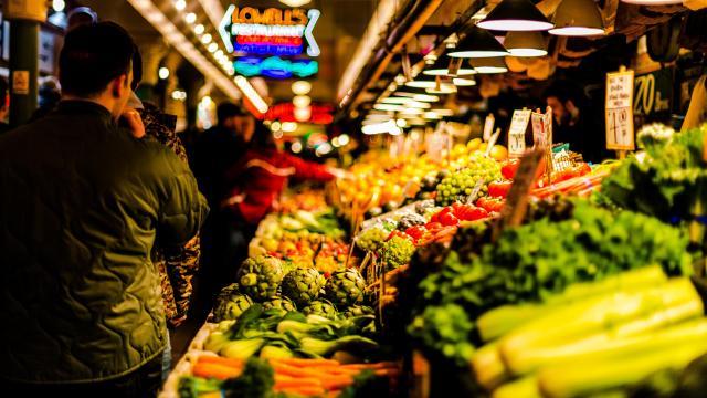 Létszámkorlátozás nélkül lehet a piacon tartózkodni