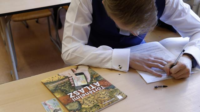 Történelemből vizsgáznak a diákok ma