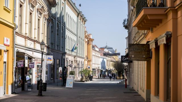 Veszélyezteti Pécs kulturális életét a helyi városvezetés
